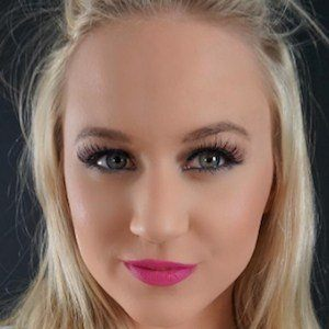 Jessy Erinn 3 of 7