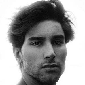 Jesús Isnard Headshot 2 of 5