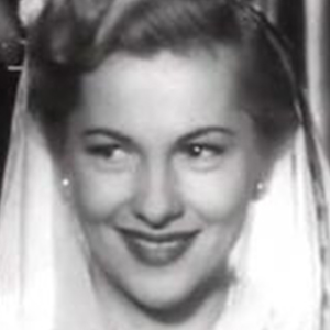 Joan Fontaine 5 of 7