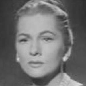 Joan Fontaine 6 of 7