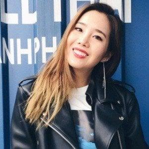 Joan Kim 7 of 10