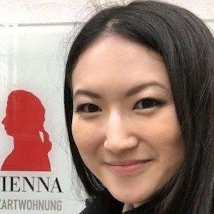 Joanna Zhou 6 of 9