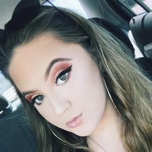 Jocelyn Flynn 5 of 10