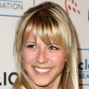 Jodie Sweetin 9 of 10
