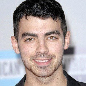 Joe Jonas 5 of 10