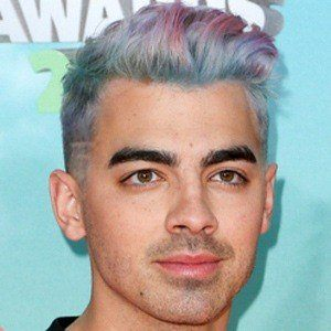 Joe Jonas 8 of 10