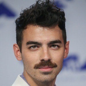 Joe Jonas 10 of 10