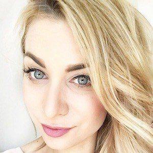 Joelle Anello 4 of 7