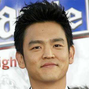 John Cho 8 of 10
