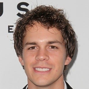 Johnny Simmons 6 of 9