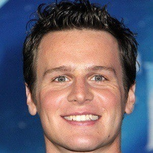 Jonathan Groff 4 of 10