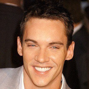Jonathan Rhys Meyers 5 of 10