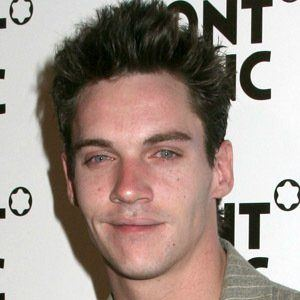 Jonathan Rhys Meyers 8 of 10