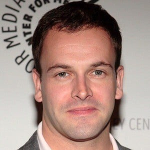 Jonny Lee Miller 7 of 9