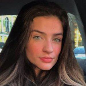 Jordana Lopes 4 of 10
