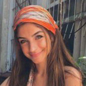 Jordana Lopes 7 of 10