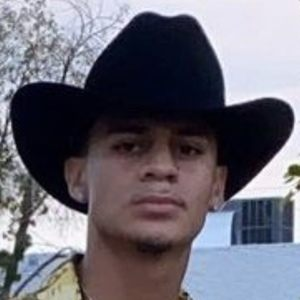 Jose Ochoa Headshot 5 of 10