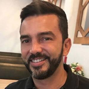 Juan Manuel Cortés 4 of 5
