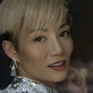 JuJu Chan 6 of 8