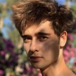 Julián Cerati Headshot 4 of 6