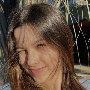 Julia Alves Headshot 2 of 10
