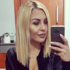 Julia Jaroszewska 2 of 9