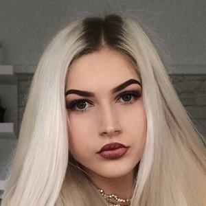 Julia Jaskulska 3 of 6