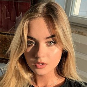 Julia Kostera 4 of 5