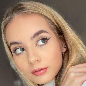 Julia Kostera 6 of 10