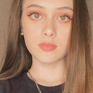 Julia Silva 4 of 10