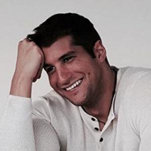 Julián Contreras Jr. 4 of 5