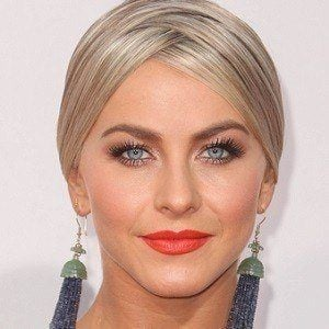 Julianne Hough 3 of 10