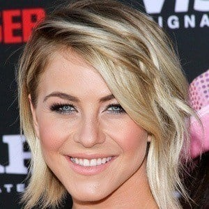 Julianne Hough 5 of 10