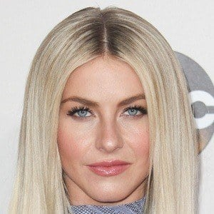 Julianne Hough 6 of 10