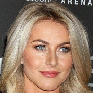 Julianne Hough 7 of 10