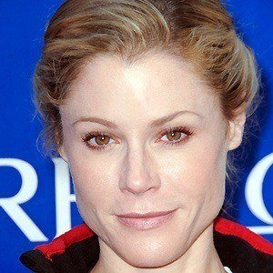 Julie Bowen 3 of 10