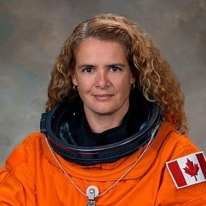 Julie Payette 4 of 6