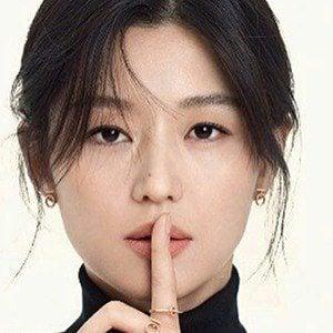 Jun Ji-hyun 3 of 6