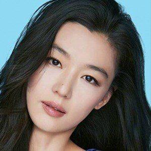 Jun Ji-hyun 5 of 6