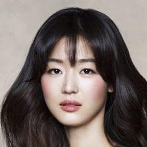 Jun Ji-hyun Headshot 9 of 10