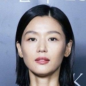 Jun Ji-hyun Headshot 10 of 10