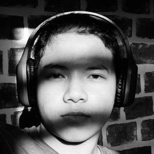 Justin John Alva Headshot 7 of 10