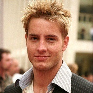 Justin Hartley 8 of 10
