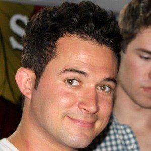 Justin Willman Headshot 3 of 5