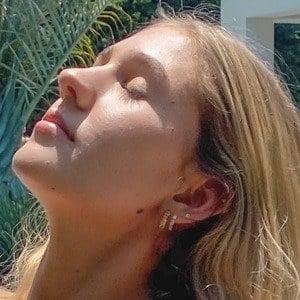 Justine Ouellet 2 of 5