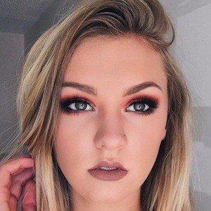 Kaitlin Dobson 6 of 9
