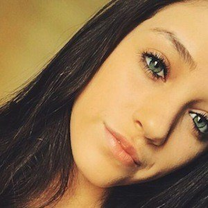 Kaitlyn Oliveira 2 of 7