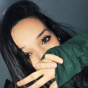 Kaitlyn Oliveira 3 of 7