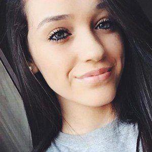 Kaitlyn Oliveira 4 of 7