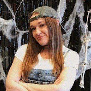 Kaitlyn Vella Headshot 4 of 10